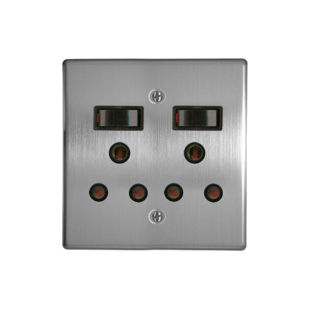 Classic Sockets - 4 x 4 2 x 16A Switched Sockets - Silver