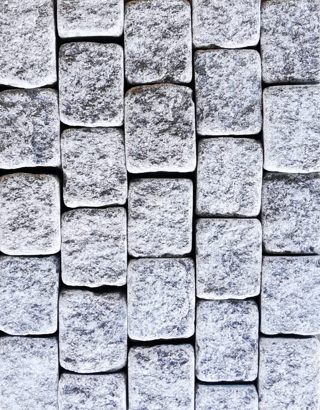 Granite Cobble Split Face, Tumbled - per PACK