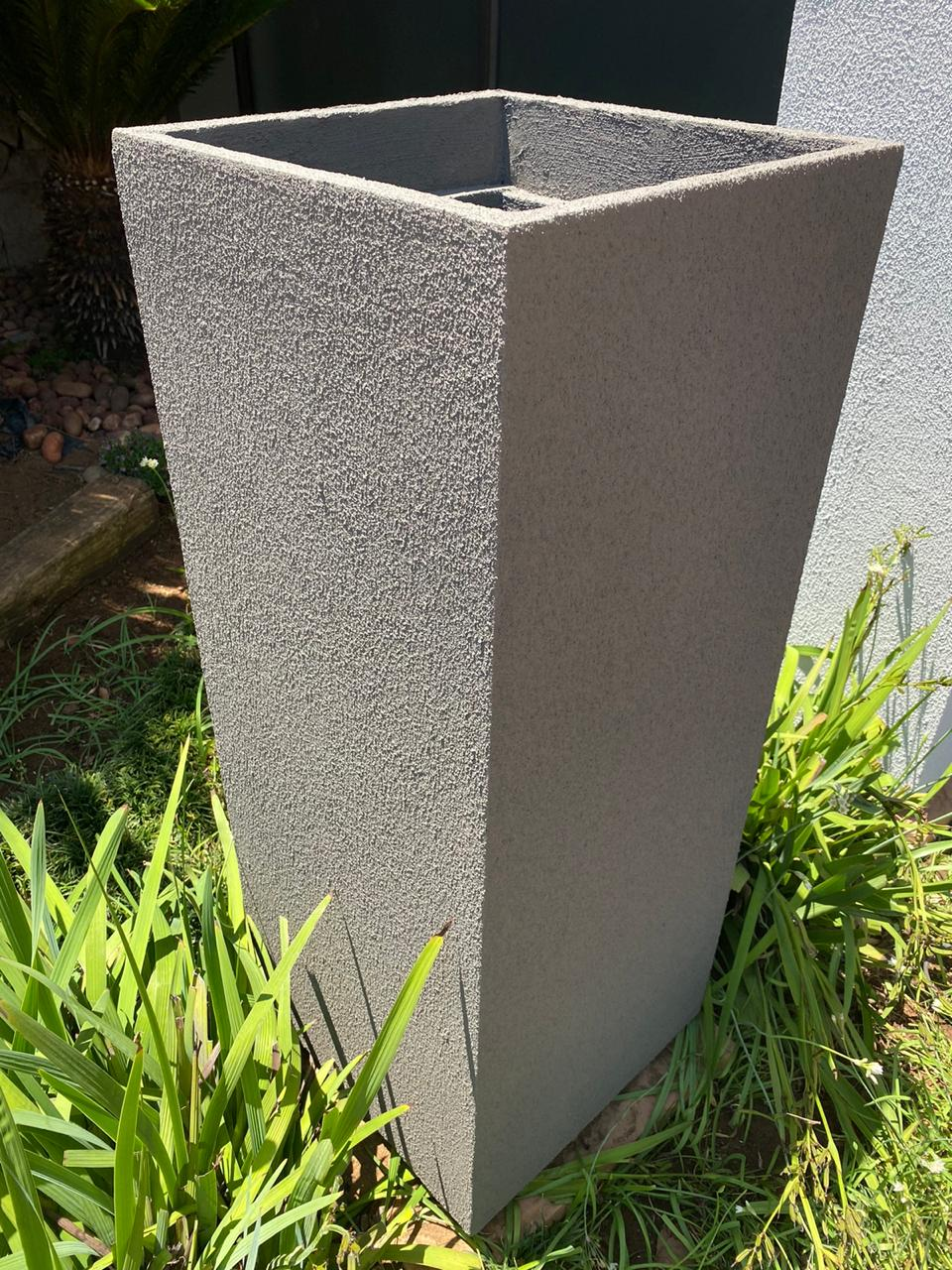 SQUARE TAPERED PLANTER 1000 X 395 SAND