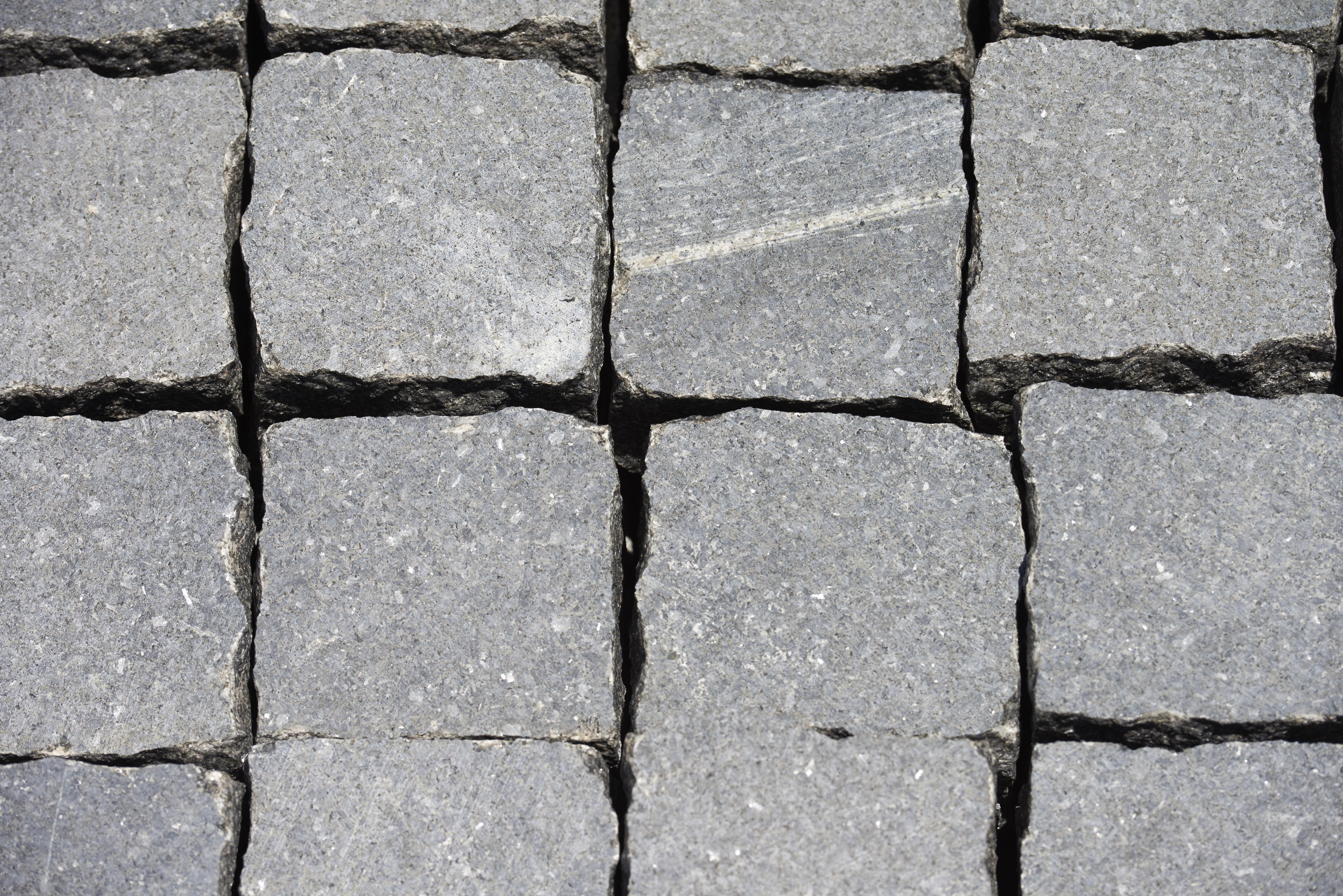 Granite Cobble Sawn Face - per PACK