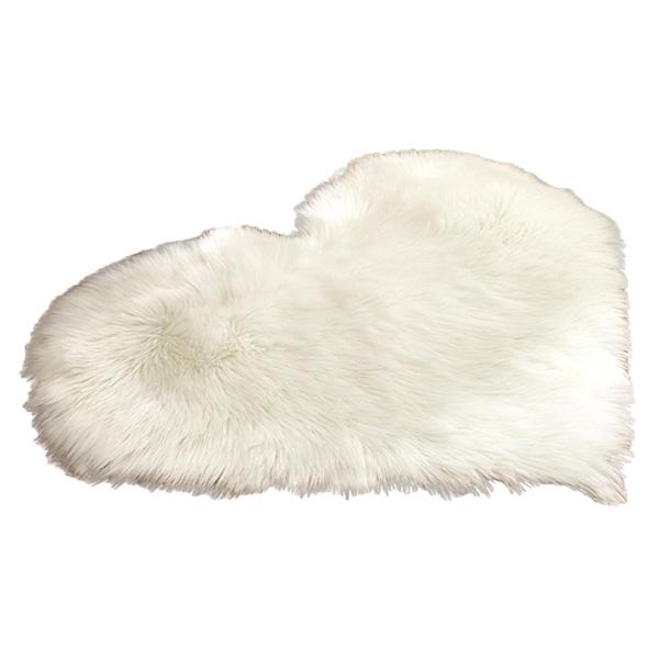 Faux Fur Heart Rug (70cm x 90cm) - White